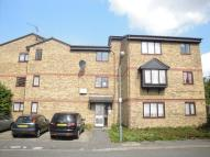 Studio flat to rent in BLACKSMITHS CLOSE...