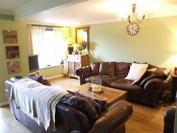 Large Living Room: