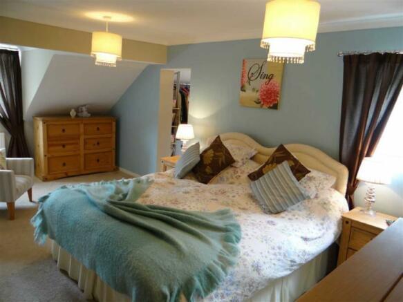 Bedroom No 3 (Master Bedroom):