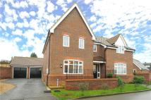 4 bed Detached property to rent in Farrows Close, Oakley...