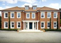 5 bed Detached property for sale in Fairmile Avenue, Cobham...