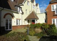 2 bed Flat to rent in Cobham Grange...
