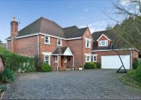 property to rent in Waterford Close, Cobham, Surrey, KT11