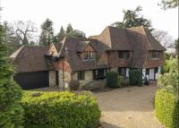 property to rent in Broad Highway, Cobham, Surrey, KT11