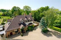 4 bedroom Detached property to rent in Hinwick Road, Podington...
