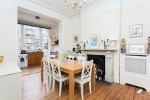 2 bedroom Flat for sale in Benwell Road, Highbury...