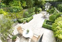 2 bedroom Flat for sale in Elm Park Road, Chelsea...