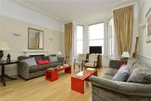 2 bedroom Maisonette for sale in Queen's Gate Place...