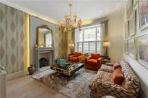 3 bed Flat in Onslow Gardens...
