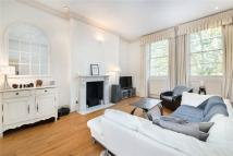Flat for sale in Queen's Gate...