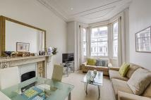 Flat to rent in Coleherne Road, London...