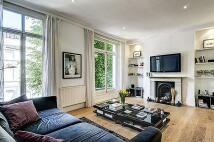 3 bedroom Flat in Upper Maisonette...