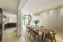 4 bed Detached house in Drayton Gardens, London...