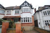 Flat to rent in Ailsa Road...