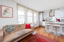 Flat to rent in Westbourne Grove, W2
