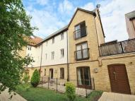 2 bed Flat in Side Strand, Wherry Road...