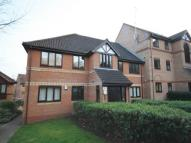 2 bedroom Flat in Scott Road, Thorpe Park...
