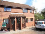 2 bed Flat to rent in Weavers Close...