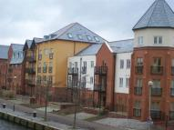 2 bed Flat to rent in Side Strand   ...