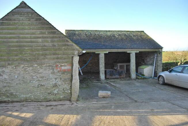 Garage/Outbuilding