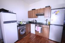 Flat to rent in Roden Street Holloway