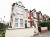2 bedroom Flat in Carlingford road...