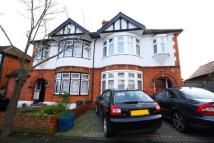 Grosvenor gardens semi detached house to rent