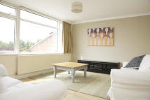 Flat to rent in Sawkins Close...
