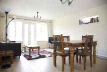 Flat to rent in Worple road...