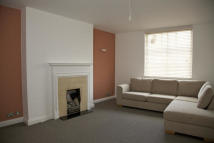2 bedroom Flat in Paultons Square...