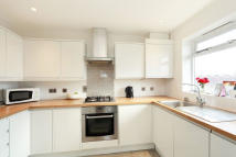 2 bed Flat in Harland close...