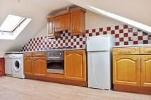 3 bedroom Flat in Bethnal Green Road...