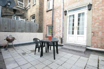 Flat to rent in Whitecross Street...