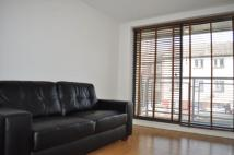 Flat to rent in Davenant Street...