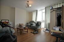 2 bedroom Flat to rent in Burley House...