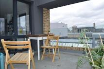 2 bed Flat to rent in Scrutton Street...