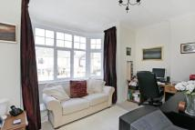 1 bedroom Flat in Melbury Gardens, London...