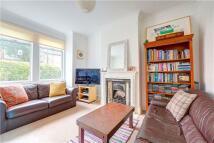 2 bedroom home to rent in Bronson Road, Wimbledon...