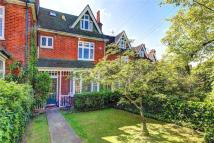 5 bed home in Cambridge Road...