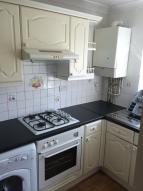 Flat to rent in Queens Road, London, SW19