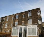 2 bedroom End of Terrace home in Under Lane, Grotton...
