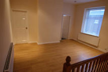 2 bedroom Apartment to rent in RIPPONDEN ROAD, Oldham...