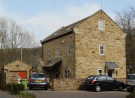 5 bed Detached house in Station Approach, Delph...