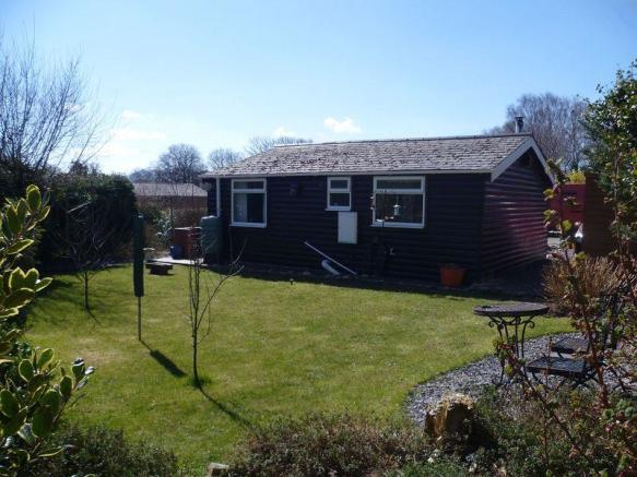 2 Bedroom Log Cabin For Sale In Llanwnda Ll54