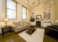 3 bedroom Apartment in Courtfield Gardens...