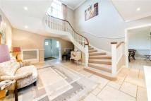 6 bedroom Detached house for sale in The Drive, Ickenham