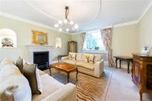 6 bed Detached house in The Drive, Ickenham