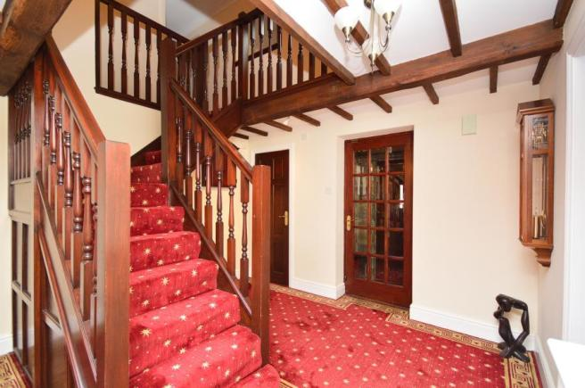 Entrance Hall Stair