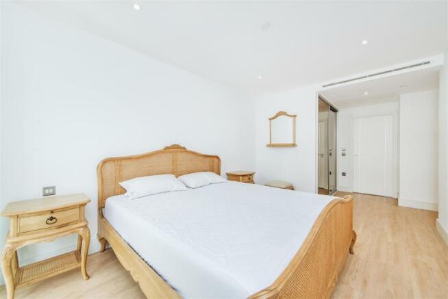 Mater Bedroom (2).jp