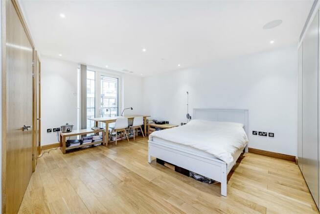 Bedroom (2).jpg